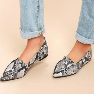 Lulus Emmy snake pointed loafers